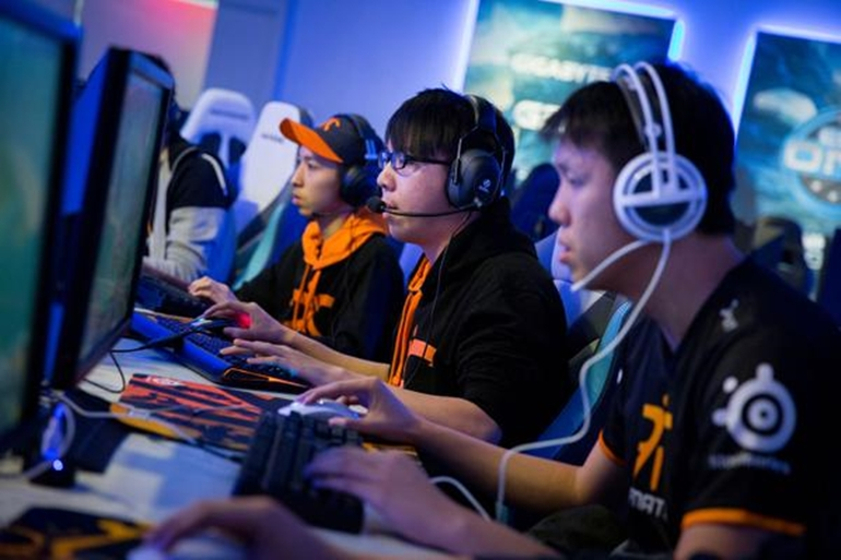 Team Fnatic in the zone.