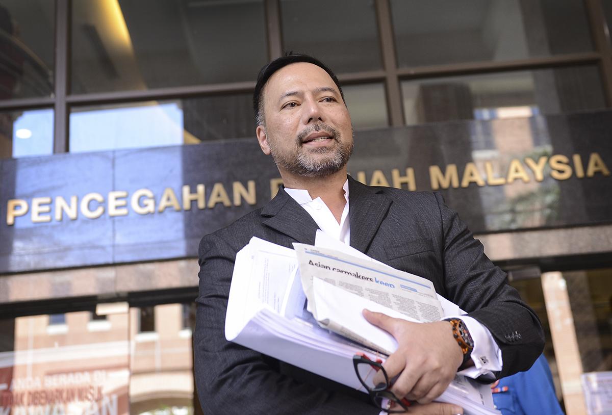 Khairuddin Abu Hassan at the Malaysian Anti-Corruption Commission headquaters in Putrajaya on 15 January.