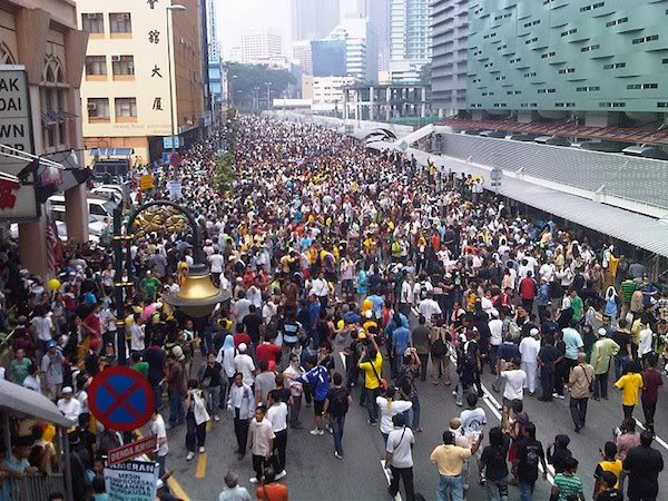 Can you imagine driving into the city when crowds this massive are expected to converge there? Nope.