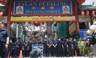 Kuala Lumpur police force all ready to stop any protester from entering Petaling Street