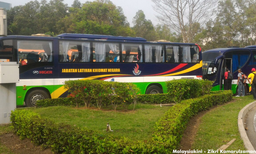 National Service Department (PLKN) buses were sighted around town carrying protesters for Himpunan Rakyat Bersatu