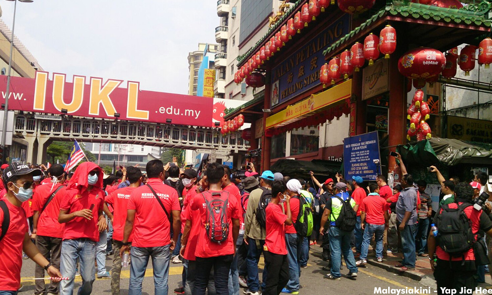 The 'reds' are adamant about entering Petaling Street