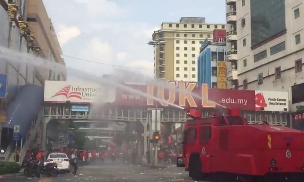 FRU released chemical-laced water cannons after a large number of the protesters insisted on entering Petaling Street despite police ban of the area.
