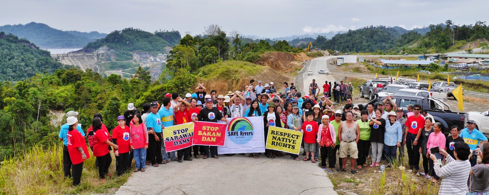 Locals seen protesting against the plan by the Sarawak government to build the Baram dam.