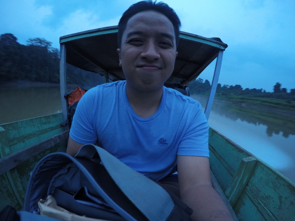Cikgu Syamil on his way to SK Airport on a boat