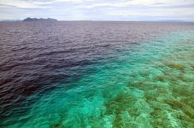 Pemisah laut dalam satu garisan.