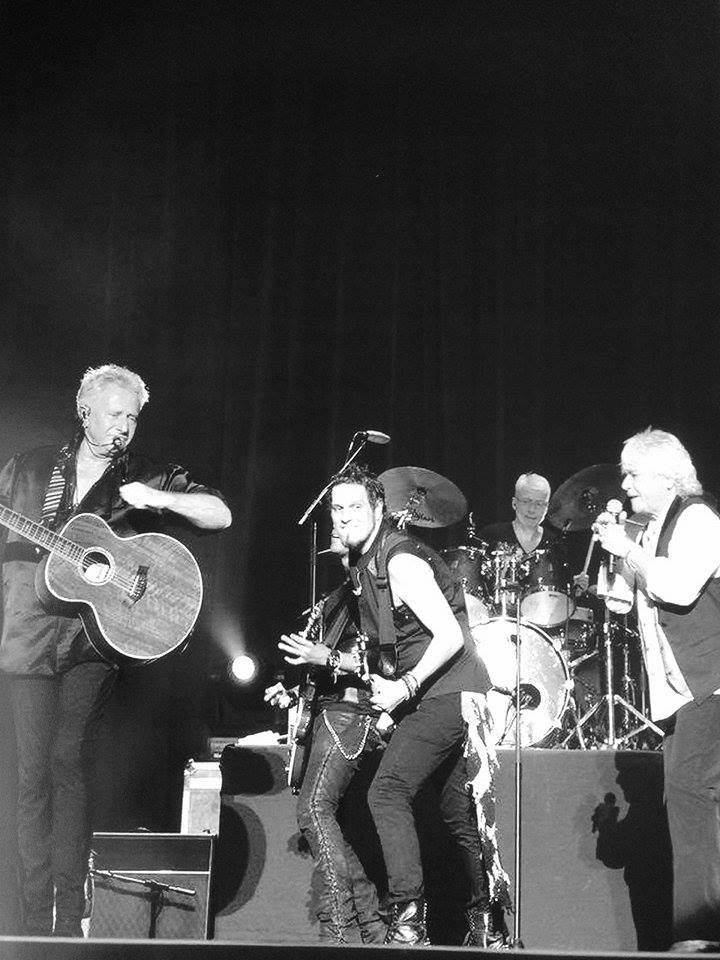 Gary Gideon playing with Air Supply.