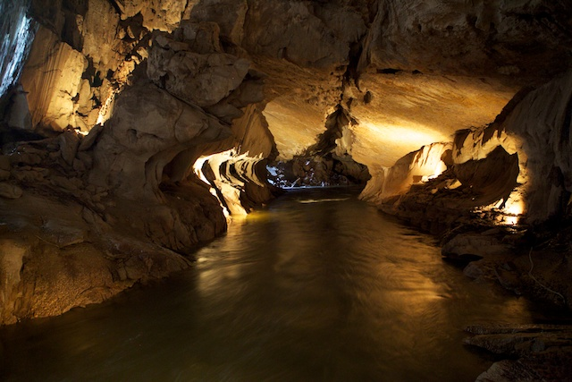 Amazing Caves In Malaysia You Need To Explore At Least Once In - Gigantic underground trampoline inside cave looks amazing