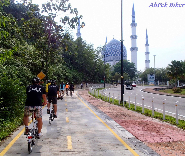 Image from Ah Pek Biker