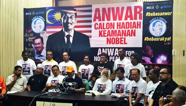 The local NGOs speaking about nominating Anwar Ibrahim for the Nobel Peace Prize this year, at a press conference held yesterday, 5 January