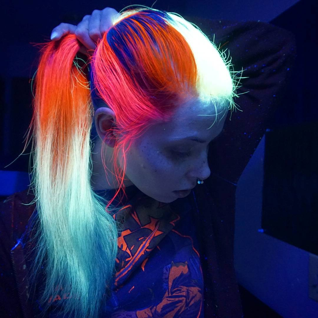 2016's Latest Glow-In-The-Dark Hair Trend Makes Ombre Dye ...