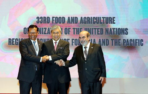 DPM Datuk Seri Dr Ahmad Zahid Hamidi (centre) at the 33rd Regional Conference for Asia and the Pacific of the Food and Agriculture Organisation launch yesterday, 10 March.