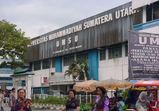 Universiti Muhammadiyah (UMSU).