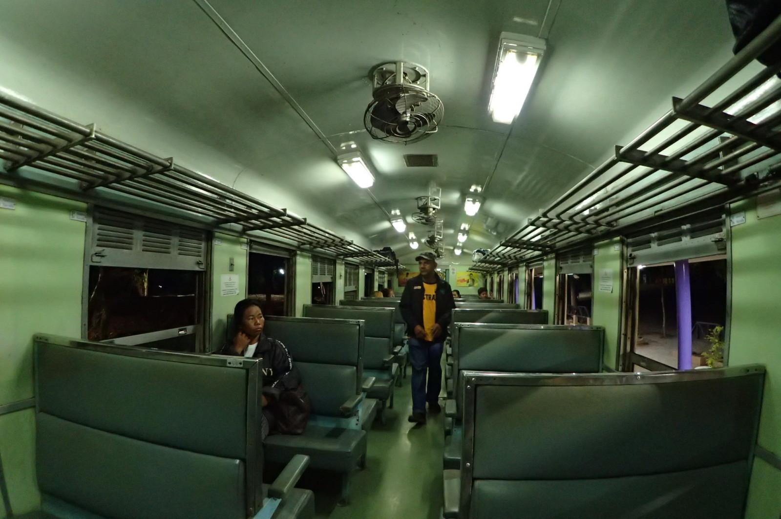 Keretapi lama Death Railway.