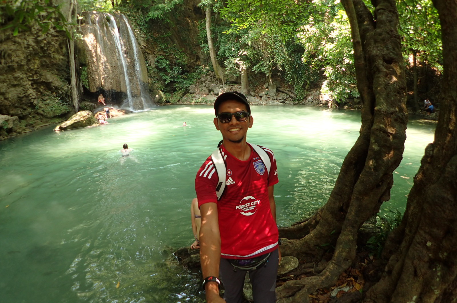 Erawan Falls ni cantik jugak. Tapi indah gambar dari rupa.