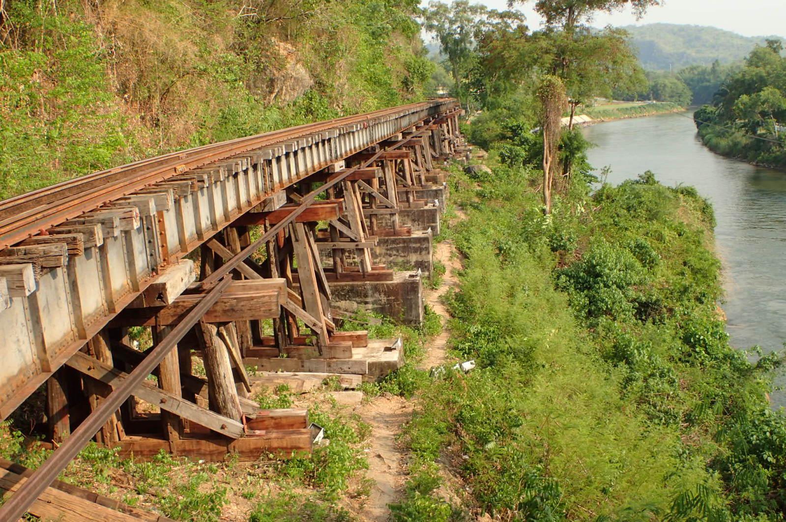 Laluan keretapi ni dibina pada tahun 30-40an dan sampai sekarang masih lagi digunakan.