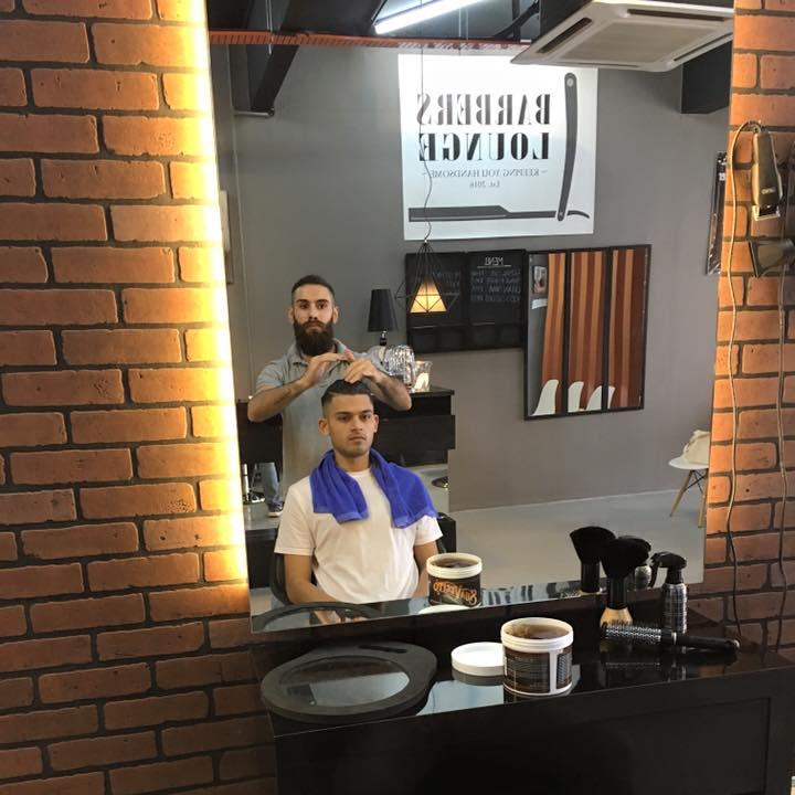 Image from Instagram @barbersloungekl