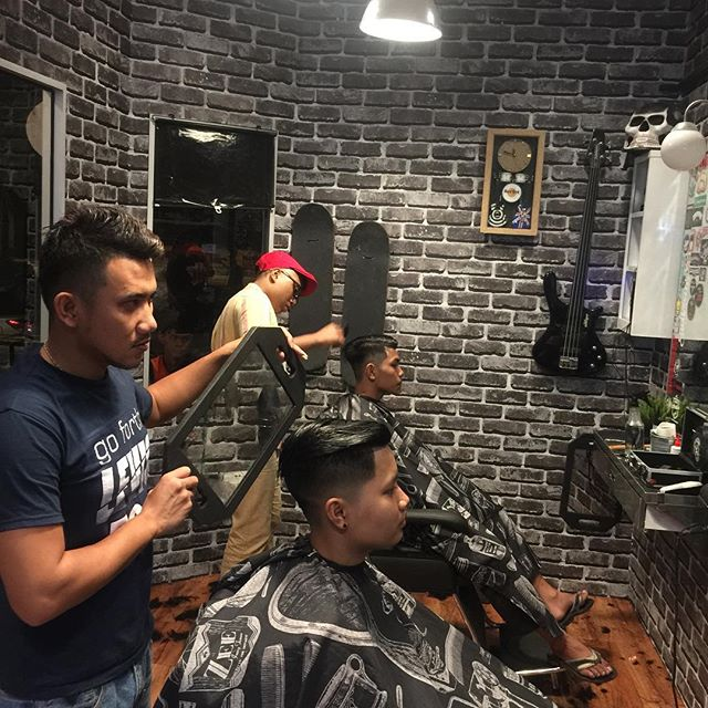 Image from Instagram @fendibarbershop