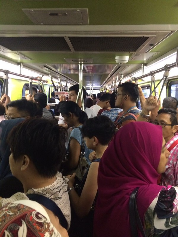 This photo was taken at the Bangsar LRT station at about 6.11pm, today, 20 July