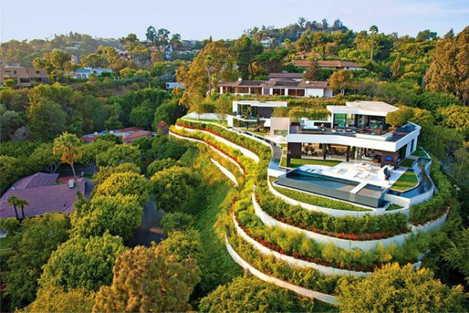 Laurel Beverly Hills Mansion in Beverly Hills, California is one of the assets allegedly bought using 1MDB funds.