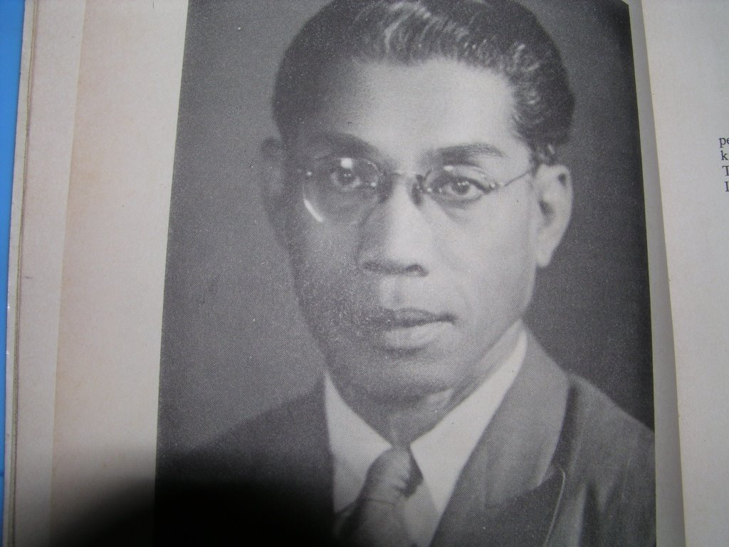 The late Ibrahim Mahmood.