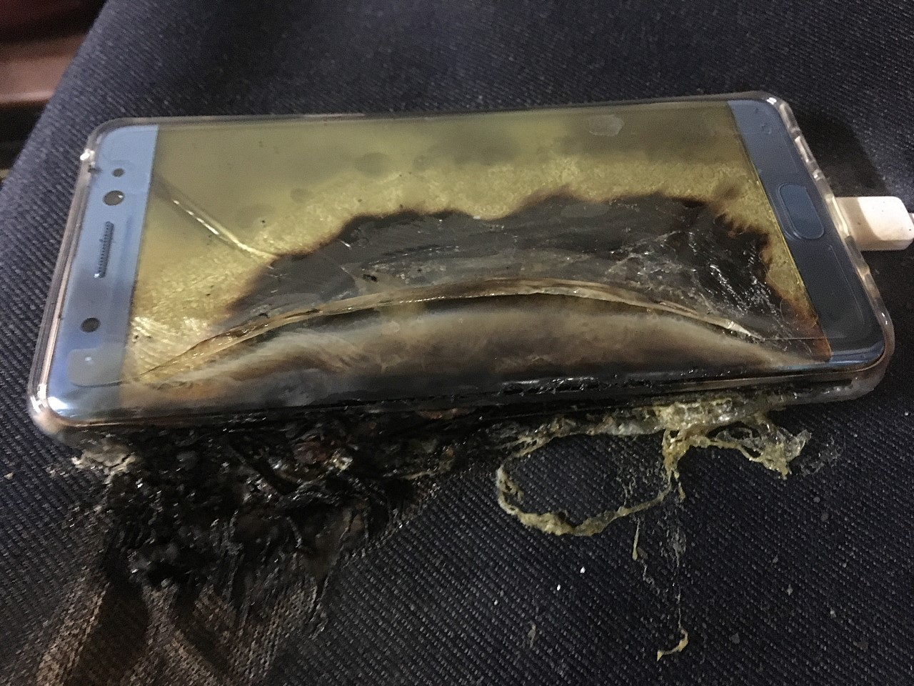 A charred Galaxy Note 7.