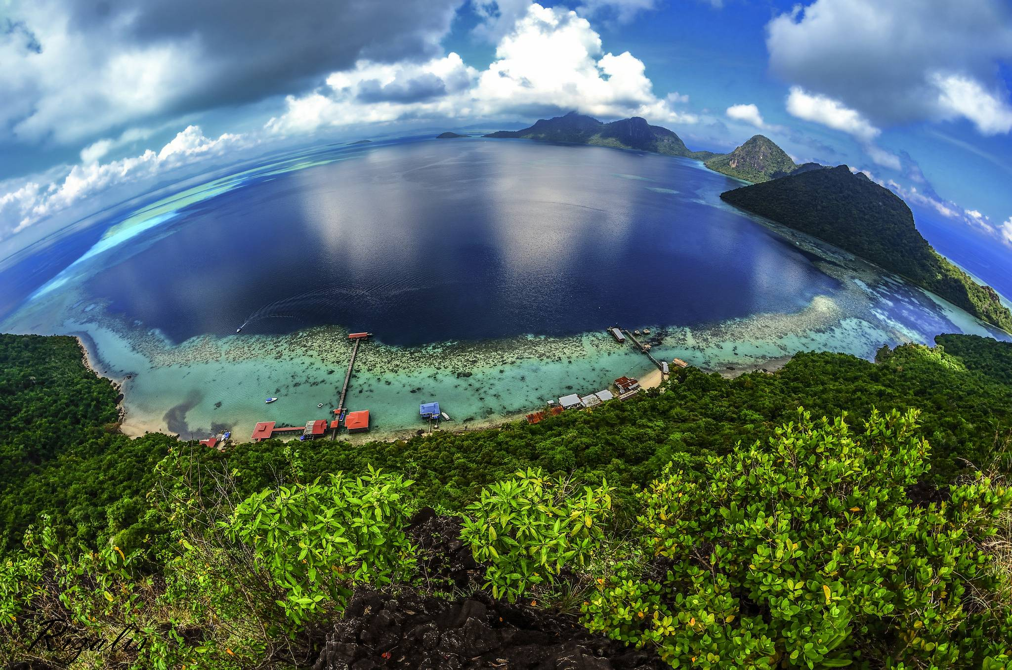 The to-die-for view at the peak of the Bohey Dulang island