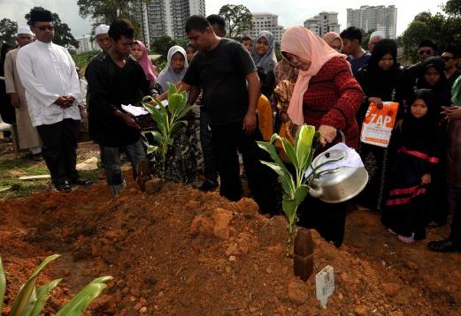 14-year-old Mohammad Azrie Danish Zulkefli's funeral at Tanah Perkuburan Islam Kebun Teh today.