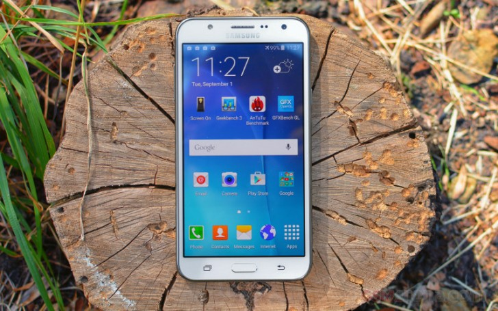 5 Android Smartphones Under RM900 If Your Parents Need A