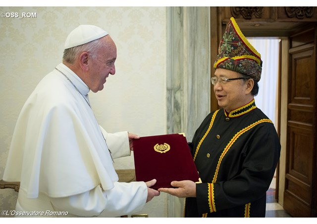 Pope Francis welcoming the first Resident Ambassador of Malaysia to the Holy See, Tan Sri Bernard Giluk Dompok at the Vatican City.