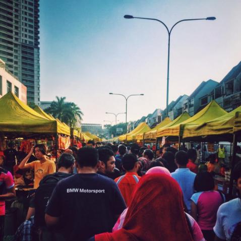 The early evening crowd at the TTDI Ramadan bazaar.