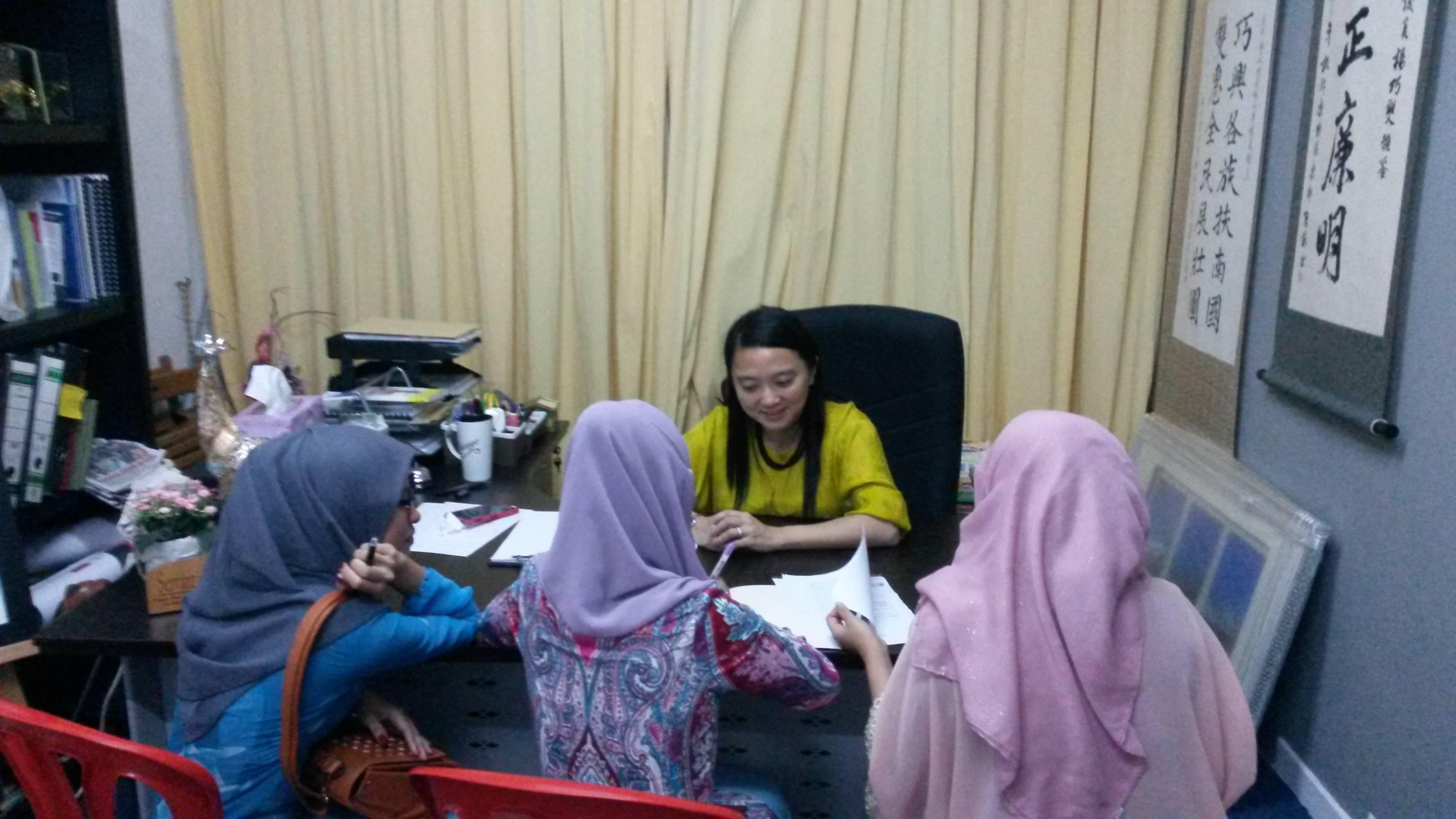 Students from local universities interviewing YB Hannah Yeoh