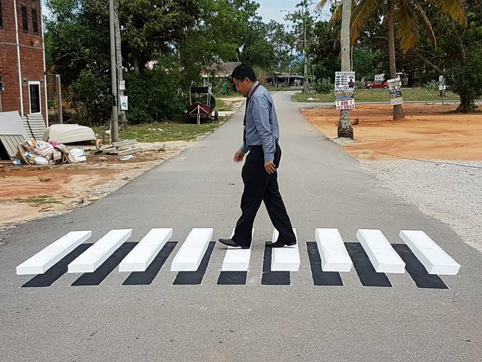 This Cool 3D Zebra Crossing In Terengganu Is Perfect For Abbey Road ...