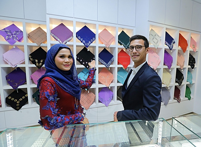 Haliza Maysuri, founder of Bawal Exclusive and Nicholas Vo Van, Planning and Merchandising Manager at Swarovski.