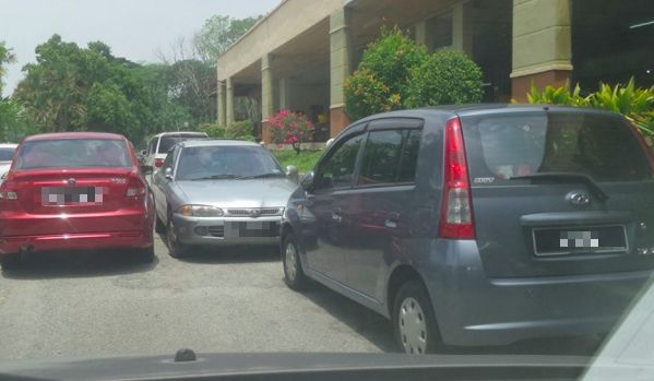 Image from Stupid Parking Idiots