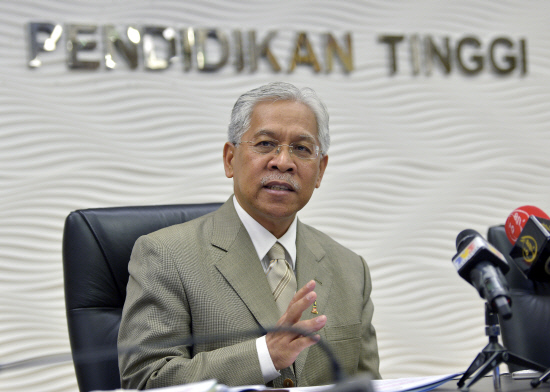 Higher Education Minister Datuk Seri Idris Jusoh