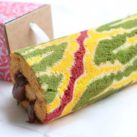 These Batik Cakes Are So Gorgeous You Will Feel 'Sayang