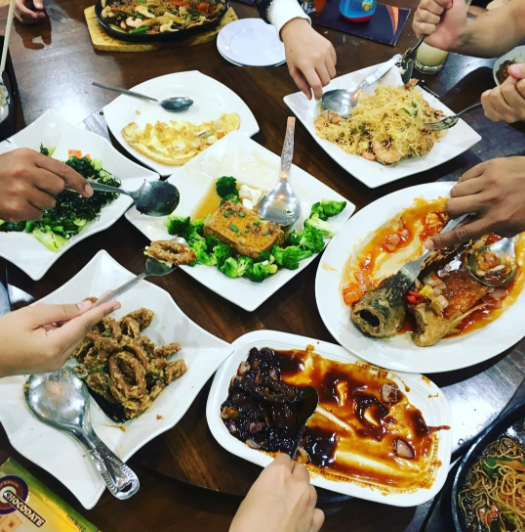 11 restaurants to check out the next time you re eating for Restaurants for big groups