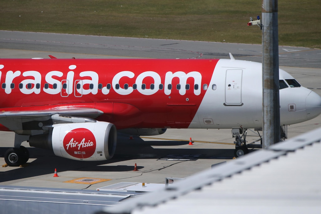 AirAsia flight QZ535 that had to return to Perth due to sudden loss of cabin pressure.