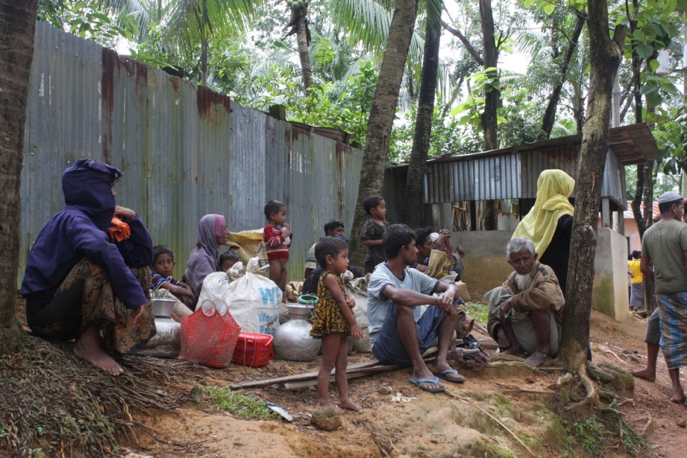 Many Rohingyas are struggling to find a place for themselves at the already-overcrowded Kutupalong camp.