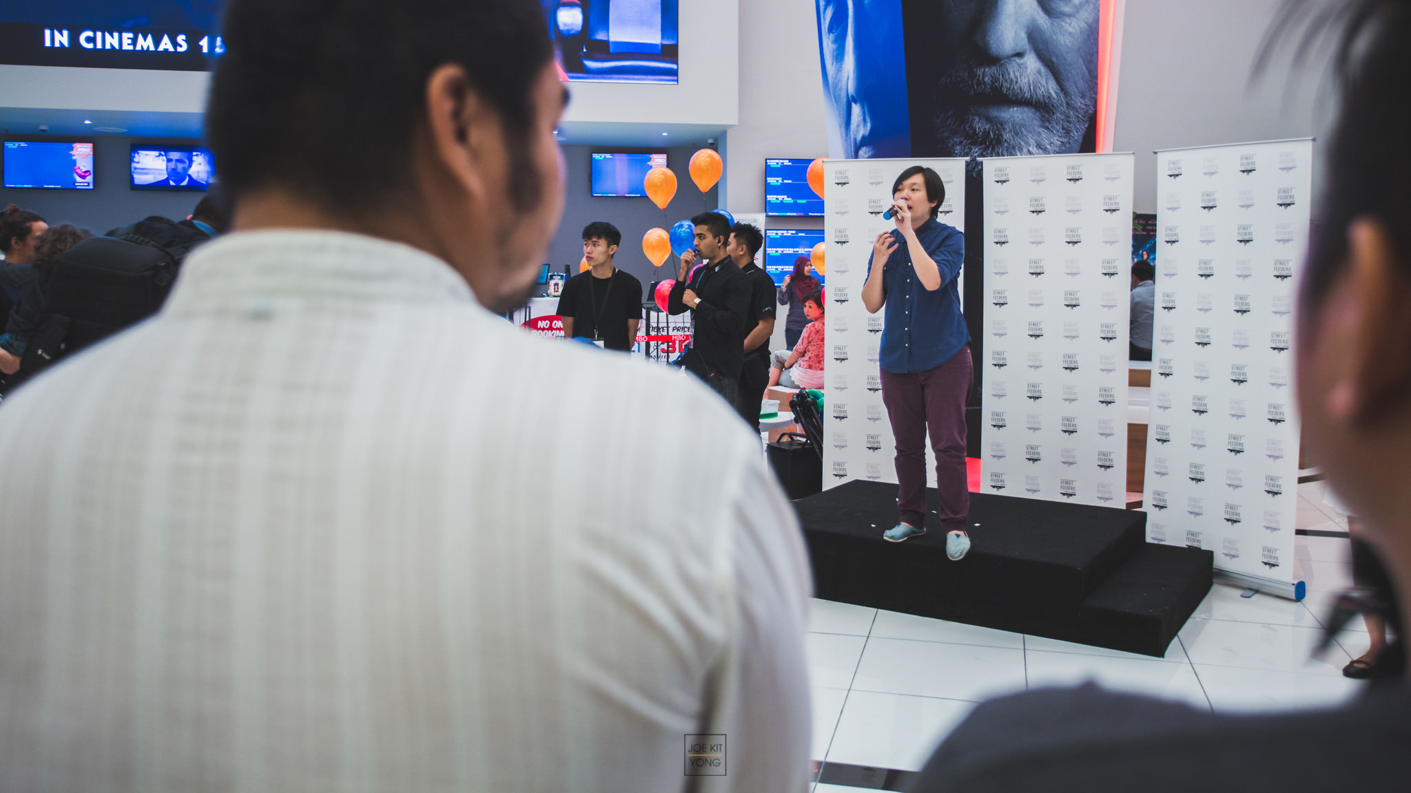 Kim Lim speaking during E-lluminate's launch event that was held in collaboration with the celebrations of Street Feeders of KL's sixth anniversary on 16 November.