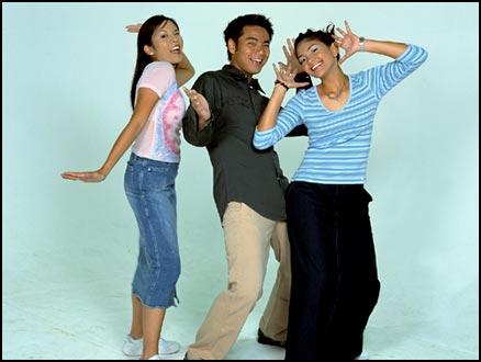Azura with fellow Disney Buzz presenters Jien and Karen.