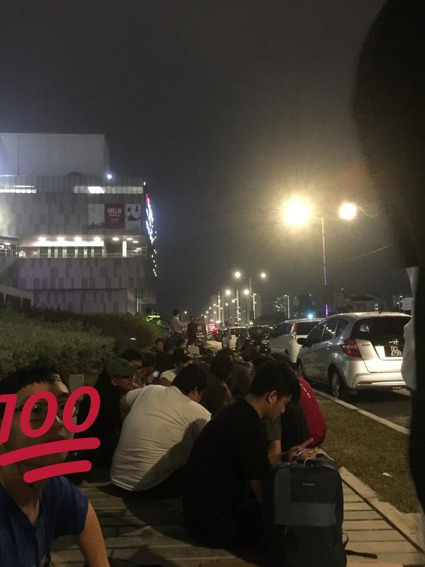 The queue at 12am earlier today.