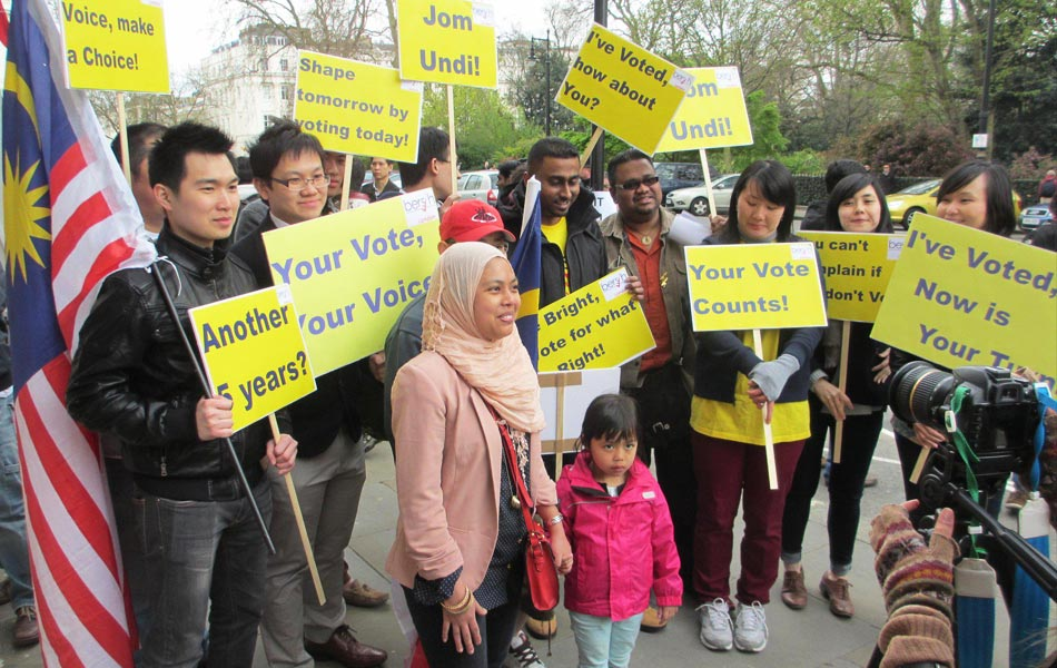 Malaysian voters in London during the 13th General Election.