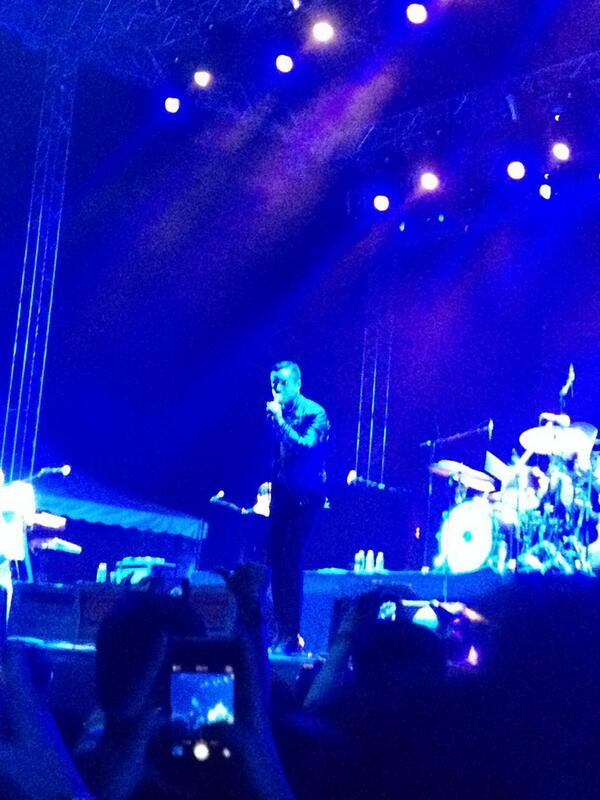 TheKillersMY: Brandon Flowers Energetic Even After F1 In SG