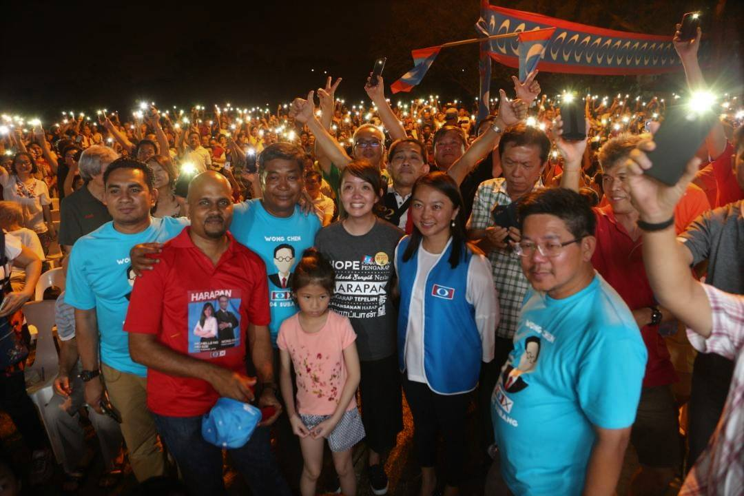 Michelle and Hannah Yeoh with the many citizens who came out to show their support for her in Subang Jaya.