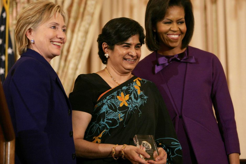 Ambiga (middle) receiving the Award for International Women of Courage from Hillary Clinton (left) and Michelle Obama (right) in 2009.