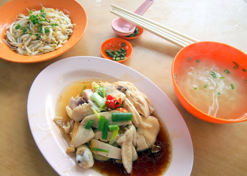 Ipoh 'taugeh chicken' with 'hor fun'.