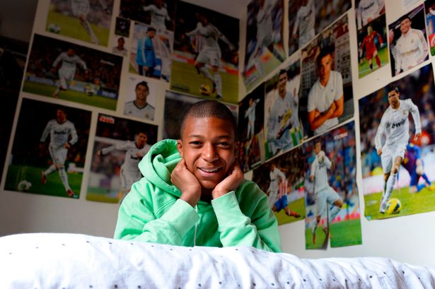 Young Mbappé was known to be a huge fan of Cristiano Ronaldo.