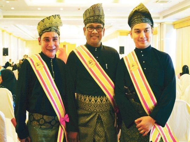 Pian Cecupak, Nash dan Boy Iman dapat Datuk dari Melaka.